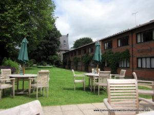 Royal Winchester Hotel garden terrace