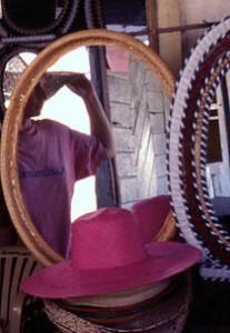 pink hat Torrijos
