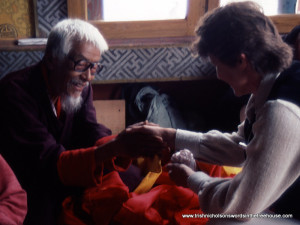 exchange of gifts with lama